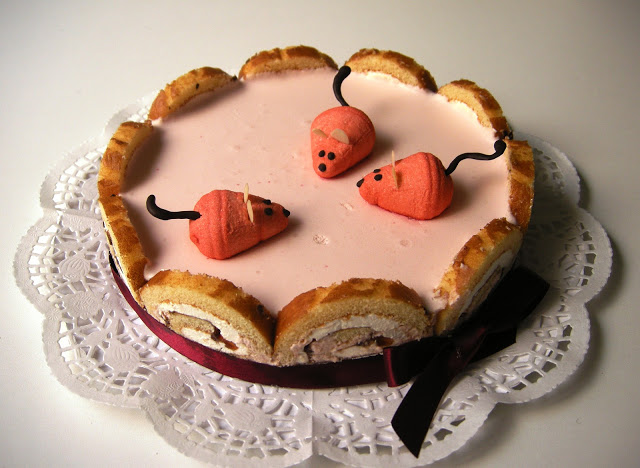 Tarta mousse de fresa y…¡roedores!