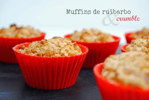 Muffins de ruibarbo con crumble