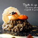 Risotto de ajo negro con vieira plancha y crujiente de parmesano. Receta