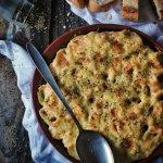 Pastel de pasta rellena con espinacas y feta. Receta