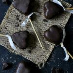 Cómo hacer cake pops de corazón de chocolate. Receta